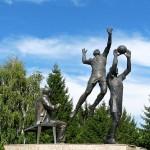 Памятник волейболистам в Белгороде