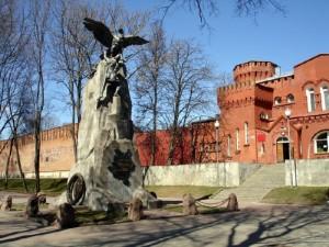 памятник Благодарная Россия в смоленске