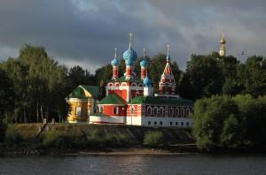 Углич достопримечательности: Церковь царевича Дмитрия на крови