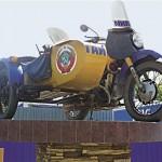 Памятники Тулы: памятник патрульному мотоциклу Урал М-62 с коляской